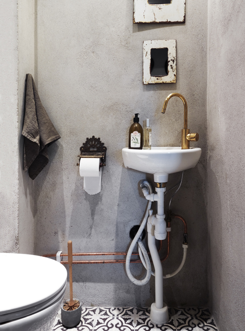 15 Cozy Design Ideas For Small and Functional Bathrooms 15