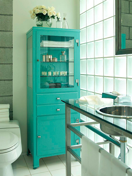 15 Ways to Organize Your Bathroom! 01