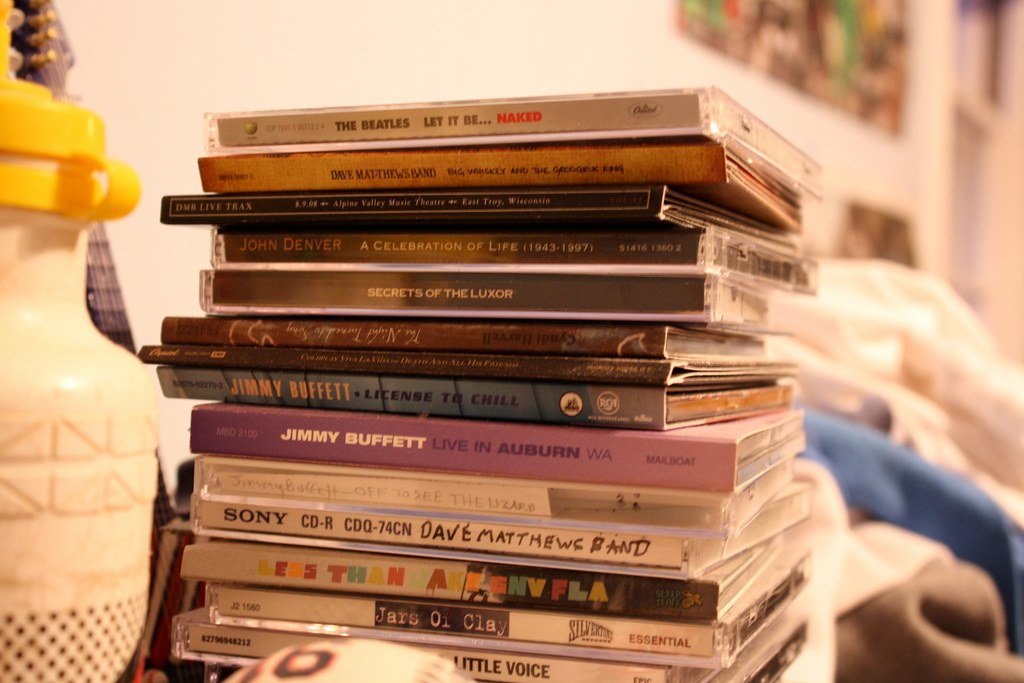 17 WONDERFUL DIY IDEAS TO DO WITH OLD CDS 1