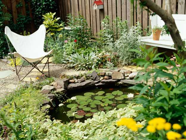 Fifteen Wonderful Landscaping and Gorgeous Centerpiece Ideas for Your Outdoor Places 3