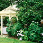 Fifteen Wonderful Landscaping and Gorgeous Centerpiece Ideas for Your Outdoor Places 7