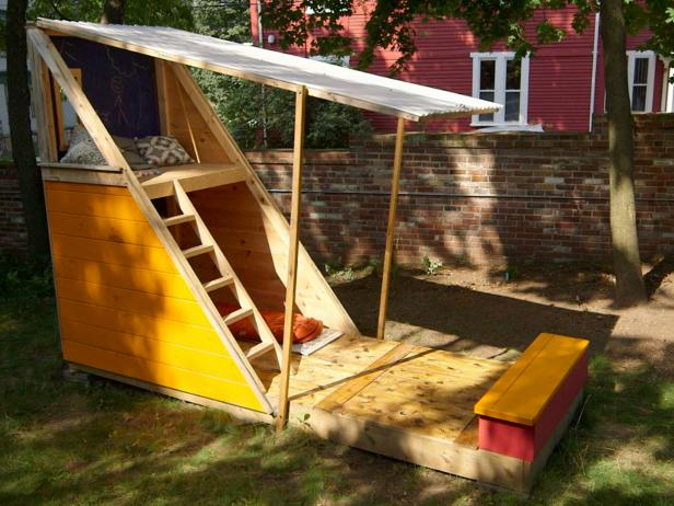 10-outdoor-wooden-fort