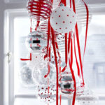 25 Amazing Red and White DIY Christmas Decor Ideas 19