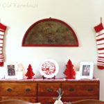 25 Amazing Red and White DIY Christmas Decor Ideas 20