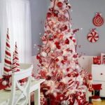 25 Amazing Red and White DIY Christmas Decor Ideas 24
