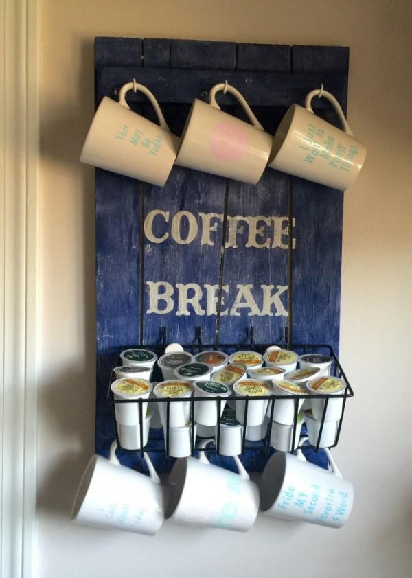 3.DIY Coffee Cups Pallet
