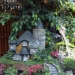 10 Great Decorate With Miniature For Cute Gardens 16
