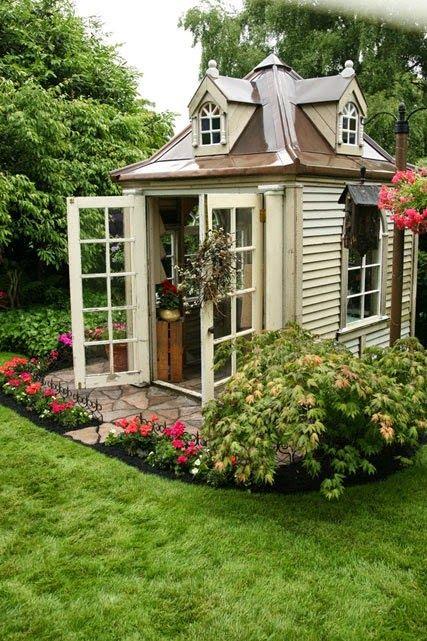 11.Garden Heart Playhouse
