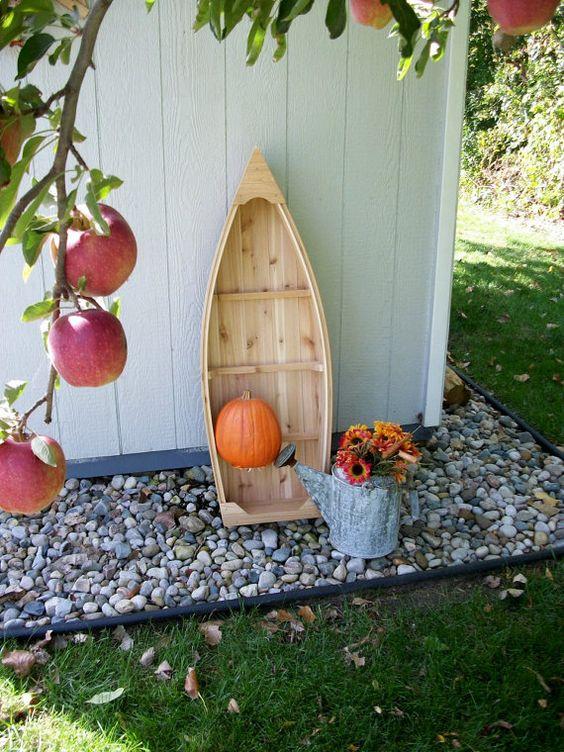 2.Garden Boat