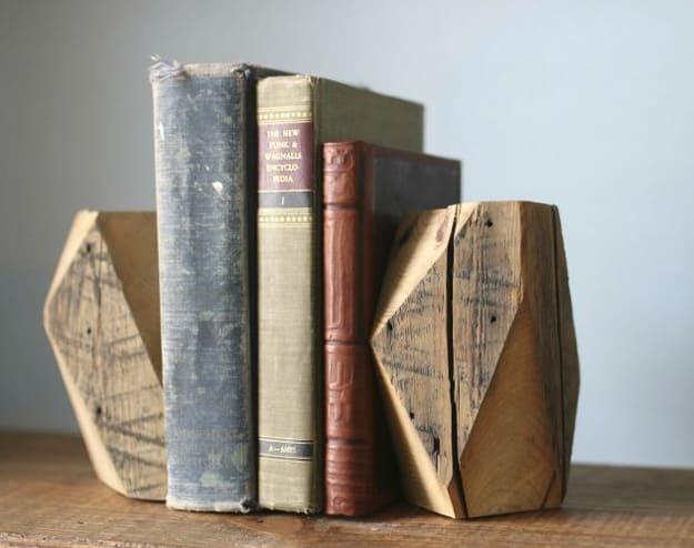 6.DIY Wooden Bookends