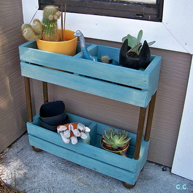 7.Garden Shelf