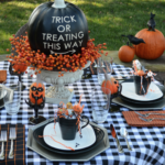 10.Halloween Dinner Setting