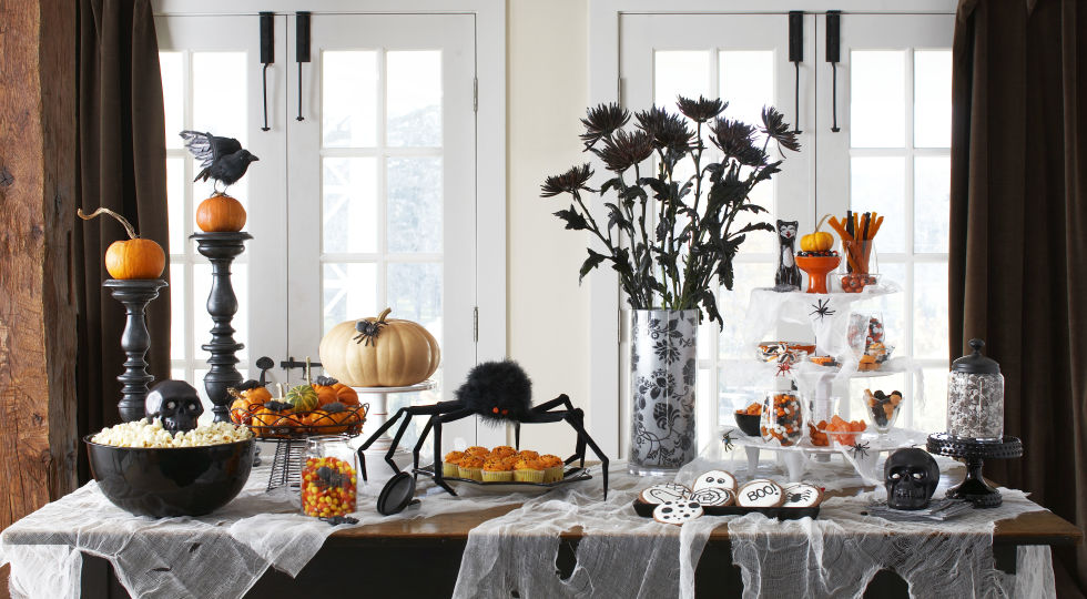 6.The Halloween Snack Table