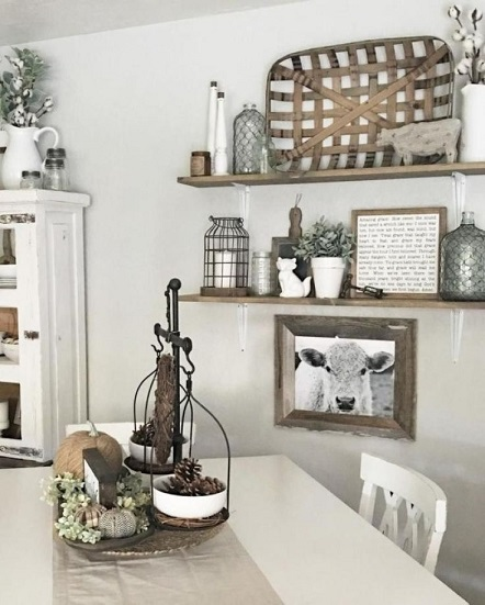 4. Rustic Theme on Kitchen Wall